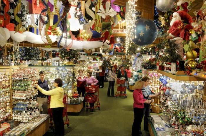 Bronners Christmas.Bronner S Christmas Wonderland